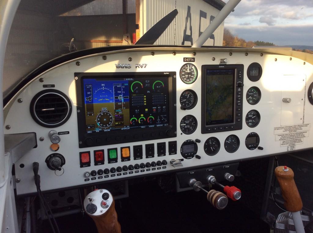Cockpit RV7 D-ETTA